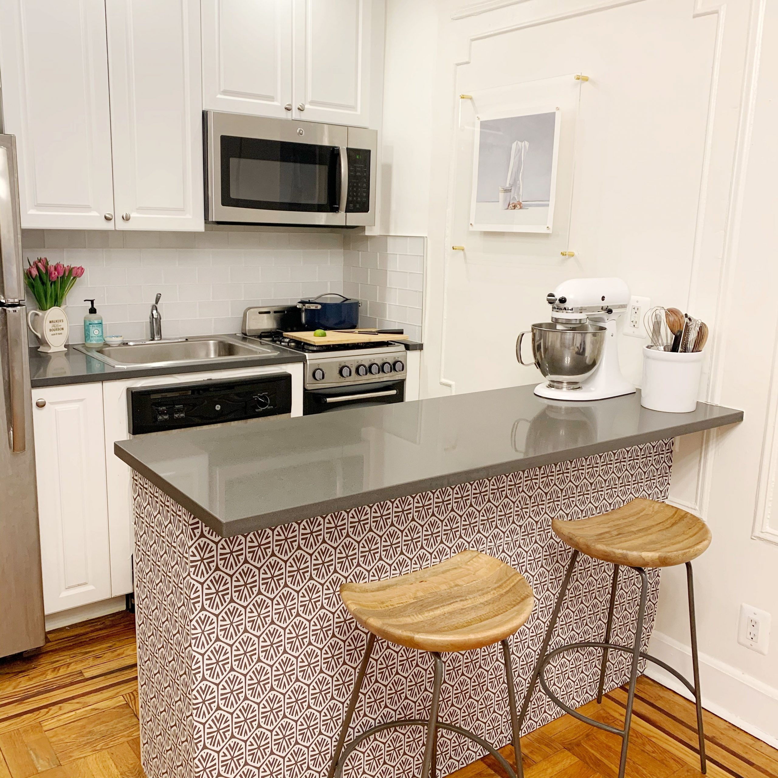 Is the kitchen too small? All the more reason to pick the right kitchen cabinets! Cabinet Project - 1