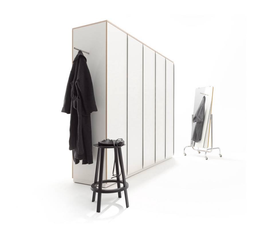 Customized-made wardrobes